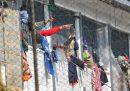 Almeno 23 detenuti sono morti in Colombia durante proteste legate al diffondersi del coronavirus
