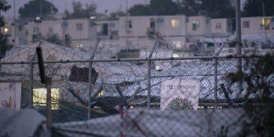 L'Unione Europea offrirà duemila euro ai migranti che si trovano nei campi di detenzione delle isole greche che vorranno tornare volontariamente nei propri paesi