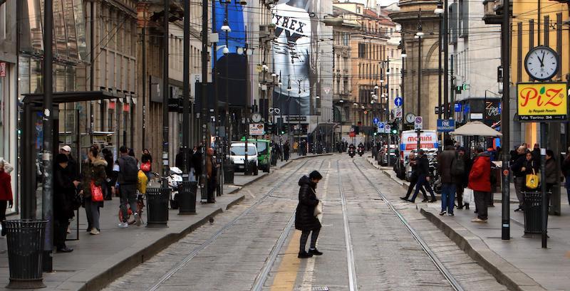 Via Torino inizia a svuotarsi (Milano, 29 febbraio 2020)
