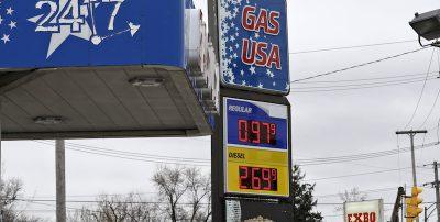 Il prezzo del petrolio è sceso al valore minimo degli ultimi 18 anni