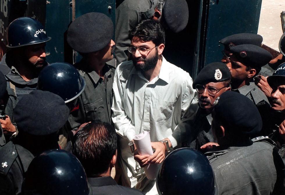 Il Pakistan ha nuovamente arrestato i quattro uomini accusati di aver ucciso il giornalista Daniel Pearl, la cui condanna era stata annullata giovedì - Il Post