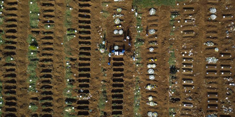 In Brasile ci sono molti più morti di quanto dicano i numeri ufficiali - Il Post