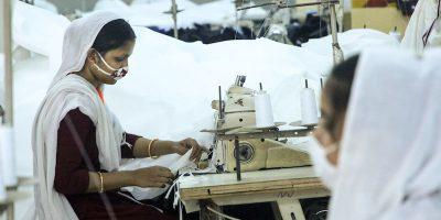Le conseguenze dell'epidemia sulla moda stanno creando grandi problemi in Bangladesh