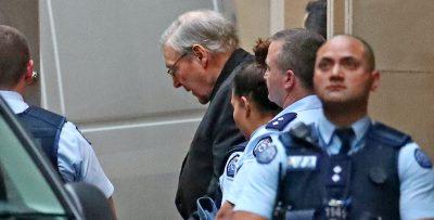 Il cardinale australiano George Pell è stato assolto dall'Alta Corte australiana dall'accusa di abusi sessuali su minori