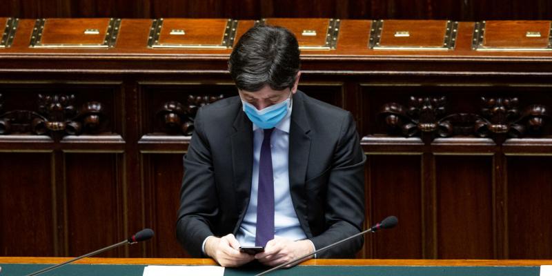 Il ministro della Salute Roberto Speranza ha firmato un decreto che regola  il monitoraggio delle regioni nella fase 2 - Il Post