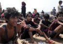 Centinaia di profughi rohingya sono da due mesi alla deriva al largo delle coste malesi
