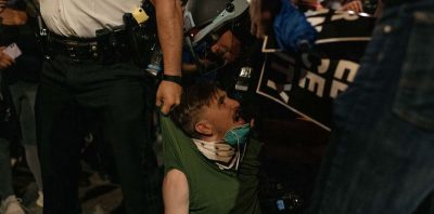 Ancora molti video di violenze della polizia americana contro le proteste, o i passanti