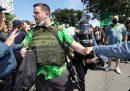 Il gruppo di estrema destra americano dalle camicie hawaiane