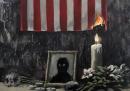 Il disegno di Banksy dalla parte di George Floyd