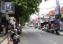 La pandemia sta danneggiando Bali più di vulcani e terrorismo