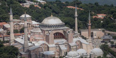 In Turchia si discute di riconvertire Santa Sofia in una moschea