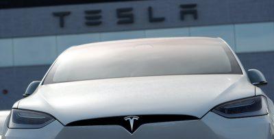 Tesla continua a sorprendere