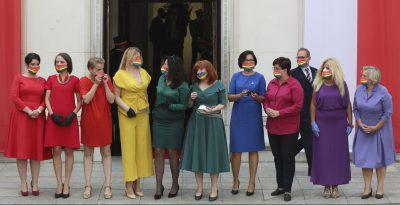 In Polonia, la bandiera arcobaleno è diventata il simbolo dell'opposizione