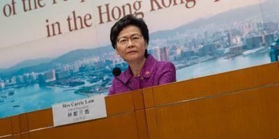 """Gli Stati Uniti hanno sanzionato la governatrice di Hong Kong Carrie Lam per la legge sulla """"sicurezza nazionale"""""""