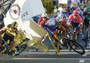 Il ciclista olandese Fabio Jakobsen è in gravi condizioni in seguito a una violenta caduta nel Giro di Polonia
