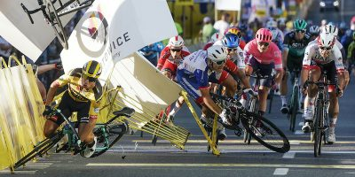 Il ciclista olandese Fabio Jakobsen è in gravi condizioni dopo una caduta nel Giro di Polonia