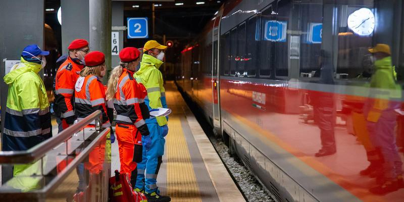 I treni ad alta velocità dovranno continuare a rispettare le regole di distanziamento thumbnail