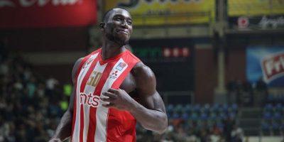 Il cestista Michael Ojo è morto per un arresto cardiaco a 27 anni mentre si allenava con il Partizan Belgrado