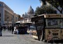18 persone sono state arrestate a Roma con l'accusa di controllare le autorizzazioni per il commercio ambulante