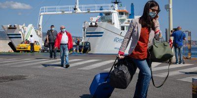 In Sicilia sarà obbligatoria la mascherina anche all'aperto