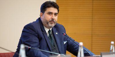 Il Tar ha sospeso l'ordinanza che imponeva il tampone per il coronavirus a chiunque arrivasse in Sardegna