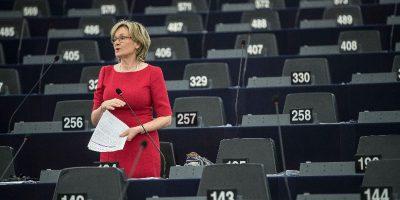 Mairead McGuinness sarà la nuova commissaria europea per l'Irlanda, dopo le dimissioni di Phil Hogan