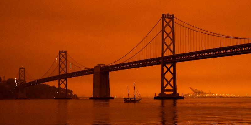 Gli incendi hanno oscurato il cielo nella baia di San Francisco