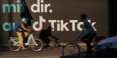 Un giudice statunitense ha deciso che TikTok potrà temporaneamente continuare a essere scaricato