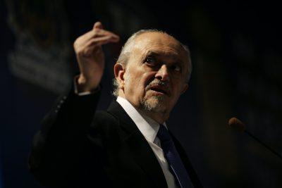 È morto il Nobel per la Chimica Mario Molina, tra i primi a intuire le cause del buco nell'ozono