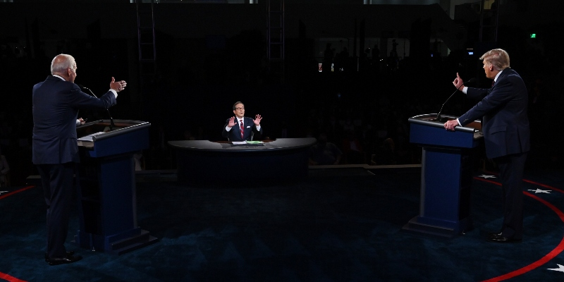 La commissione che organizza i dibattiti presidenziali americani cambierà alcune regole dopo il primo confronto tra Trump e Biden - Il Post