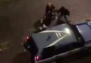 I video delle aggressioni contro la polizia a Napoli