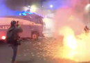 A Roma ci sono stati degli scontri tra la polizia e alcuni militanti di Forza Nuova