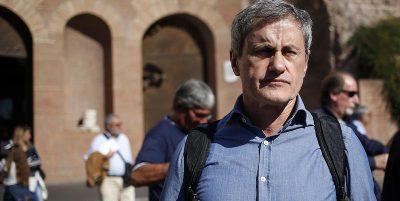 L'ex sindaco di Roma Gianni Alemanno è stato condannato in appello a 6 anni di carcere per corruzione e finanziamento illecito