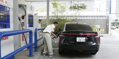 Scordiamoci le auto a idrogeno