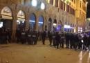 A Firenze ci sono stati scontri tra polizia e manifestanti che protestavano contro le misure restrittive