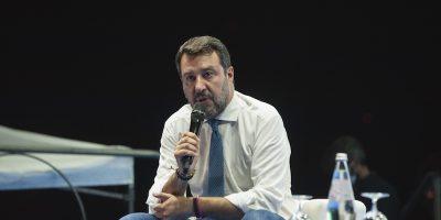 È iniziato il processo contro Salvini