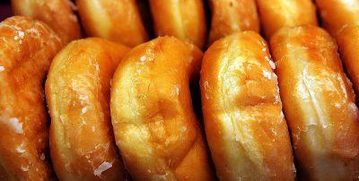 La storia dei doughnut, ciambelle non americane
