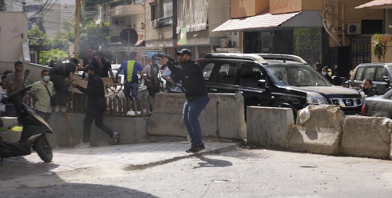 A Beirut almeno 6 persone sono state uccise dopo alcuni spari contro una protesta organizzata dai gruppi sciiti Hezbollah e Amal